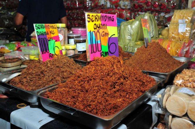 Smell, taste and feel the essence of Terengganu at Kedai Payang. Photo Credit - http://beautifulterengganu.com