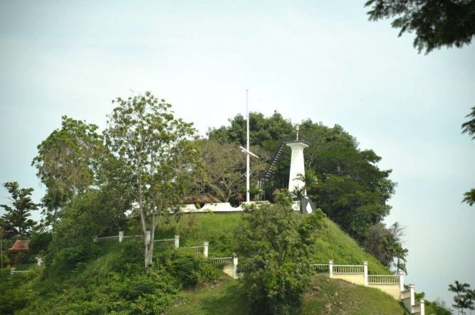 The hill had already been documented in the annals of Terengganu history since the 16th Century. Photo Credit – http://beautifulterengganu.com